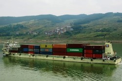 Yangtze cargo vessels will soon operate on cleaner LNG