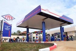 Bolivia YPFB opens multifuel station with CNG Cobija