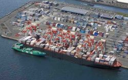 """Port of Yokohama: Figure 24. Image of """"Ship to Ship"""" bunkering to a container ship Dec2016"""