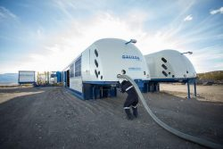 Galileo - Cryobox trailer on site to receive liquefied gas
