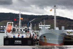 Oizmendi bunkering MV Ireland LNG at Port Bilbao