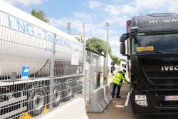 Iveco Stralis NP at Ulm LNG Station by Liqvis