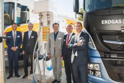 Shell opens Hamburg LNG station with Lahuttte and IVECO present