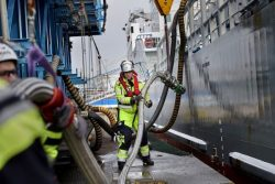 Swedegas bunkers LNG to Terntank vessel Gothenburg