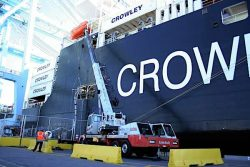 Crowley LNG-powered ConRo El Coqui bunkering Dec 2018