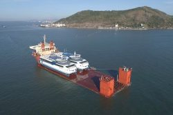 Rederij Doeksen LNG Catamarans head to Netherlands on Sun Rise