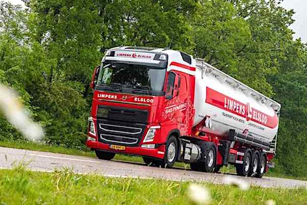 Limpens of Elsloo Volvo FH460 gas-powered fleet