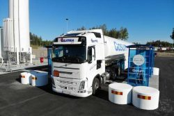 LNG truck refuelling at Chart Compact Station in Sweden