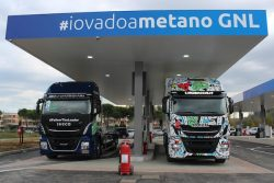 Italy_IVECO Stralis NP 460s at Pesaro C-LNG station opening