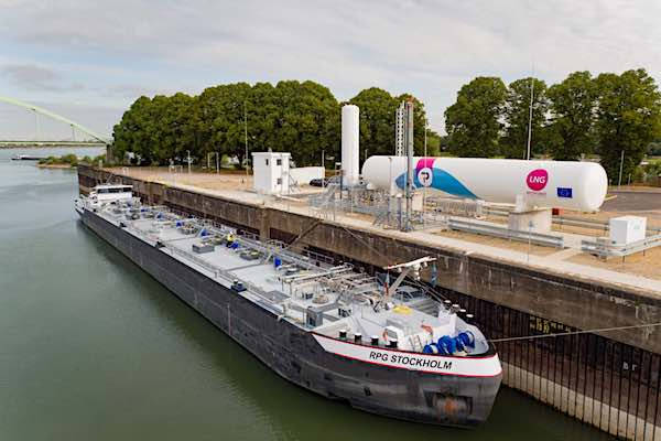 PitPoint.LNG-permanent-bunker-station-Cologne