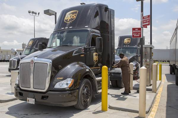 USA_UPS_CNG-Trucks-refuelling-May2019-60